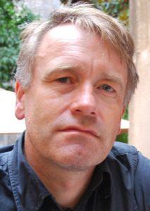 Profilbild på registerhållare Björn Salomonsson iförd blå skjorta.